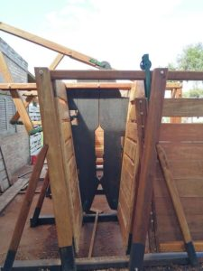 brete reforzado en madera dura urunday con cepo