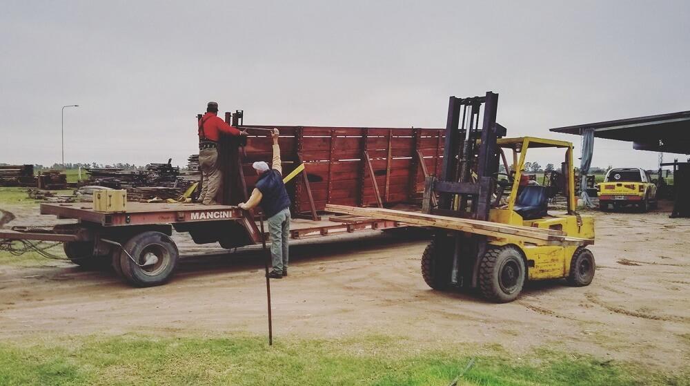 carpinteria rural trabajos a medida manejo del ganado vacuno corrales manga bretes casilla embarcaderos