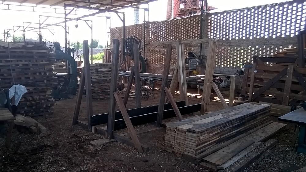 fabrica aserradero carpinteria rural articulos ganaderos a medida casillas de operaciones yugo embarcadero bretes portones tranqueras