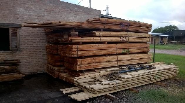 madera para articulos rurales carpinteria ganaderia comederos instalaciones plaza chaco